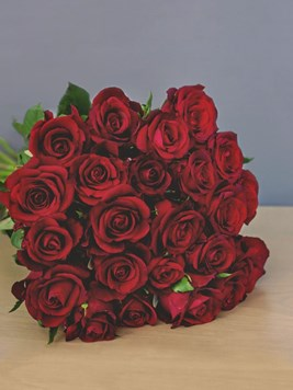 Bouquets: Two Dozen Romantic Red