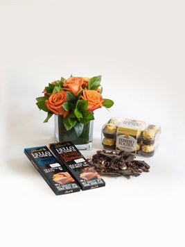 Snack & Gift Hampers: Delicious Treat Box