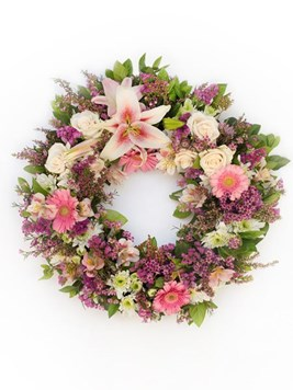 Funeral : Soft Pink Round Wreath