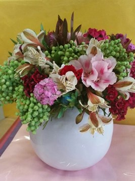 Arrangements: Soft and Colourful
