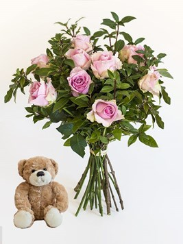 Bouquets: Pink Roses with a Small Teddy