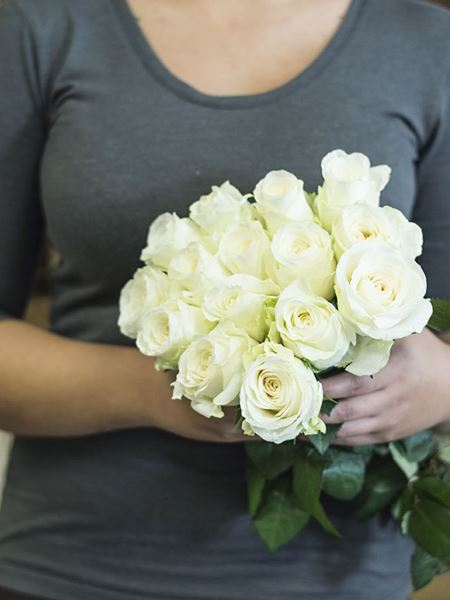 Bouquets: Fifteen White