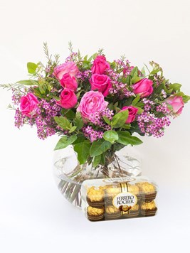 Arrangements: Classic Rose Bowl with Ferrero Rocher