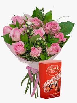 Bouquets: Pink Rose Bouquet with Lindt Lindor