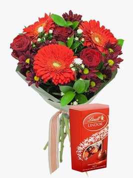 Bouquets: Ruby Red Love with Lindt Lindor