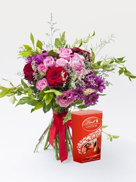 Bouquets: Pink Love with Lindt Lindor